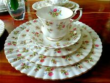 Winsome Royal Albert Bone China 20 Pieces Setting For 4 (mint condition)