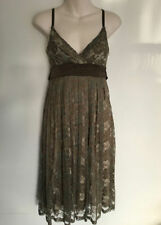 Lace Knee-Length Tea Dresses