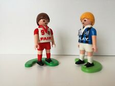 Playmobil: Set of 2 Football / Soccer players - red 9, blue 10