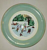 """Avon Christmas Plate """"Skaters On The Pond"""" 1976  with Box 4th Edition"""