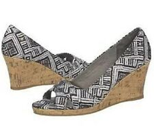 Life Stride Rogue wedge pump sandal Black & White Print sz 7.5 Med NEW
