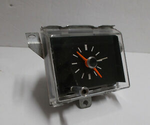 1969 1970 Chrysler Clock Serviced and Works Perfectly 69 70 Newport NY 300