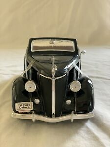 1938 Ford Deluxe Cabriolet 1/18