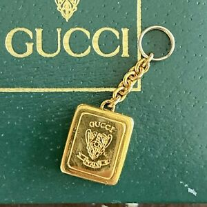Vtg GUCCI Gold Tone Italy Book Crest Zipper Pull Tag Tab Key Fob Charm Necklace