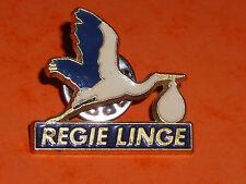 pins Cigogne Livreuse de bébé ou de LINGE PROPRE : REGIE LINGE émaux top enamel