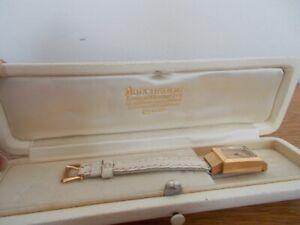 ancienne petite montre bracelet femme or boucheron 1930 art déco