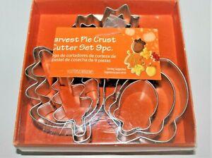 PIE CRUST CUTTERS HARVEST PIE CRUST SET 9 PIECES NEW IN BOX LEAVES & ACORNS