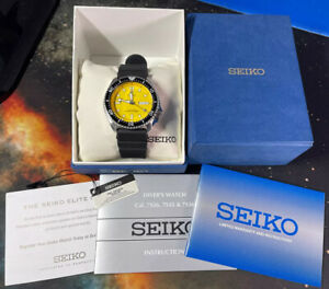 Seiko Yellow Diver Bumblebee Automatic Watch SKXA35 MINT COMPLETE w/ BOX PAPERS