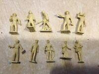 10 Vintage MARX Plastic Toy men astronaut  soldier lot