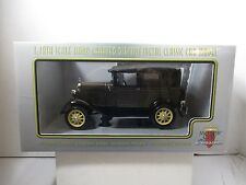 1/18 SCALE MOTOR CITY CLASSICS CHICKLE DRAB 1931 FORD MODEL A TUDOR