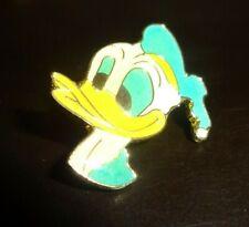 Donald Duck Pin / Lapel Badge