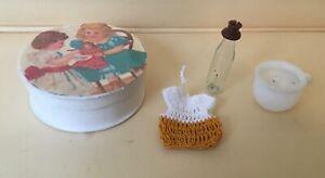 Zwei alte Lauscha Glasteile, Babyflasche und Nachttopf in  Pappschachtel