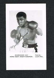 1970's MUHAMMAD ALI promotional photo with large readable facsimile autograph