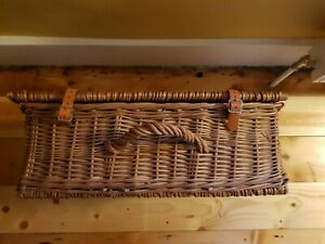 Christmas Wicker Hamper Storage Basket With Lid, Leather Straps and handle