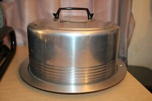 REGAL WARE Aluminum Covered Cake Carrier with Locking Lid Handle Vintage USA