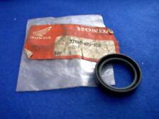 HONDA NS125FG NS 125 FG GEN NOS FORK SEAL 51602-KB1-910