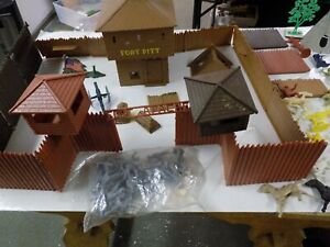 Marx Indians & Settlers from the 50's 60's-70's Very Rare item Fort Pit