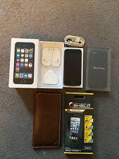 Apple ME435B/A iPhone 5S 32GB  (Unlocked) Smartphone - Space Grey