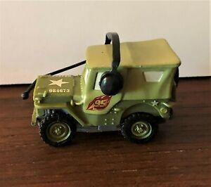 Figurine CARS 2 SARGE DISNEY PIXAR neuve avec étiquette