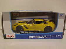 2015 Chevy Corvette Z06 Hardtop Die-cast Car 1:24 Maisto 8 inch Yellow