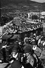 New 5x7 Korean War - Conflict Photo: U.S. Marines Move to Front Lines, Pusan