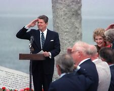 RONALD REAGAN IN NORMANDY FRANCE 40TH ANNIVERSARY OF D-DAY  11X14 PHOTO (LG-027)