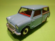 DINKY TOYS 1:43 - AUSTIN SEVEN COUNTRYMAN 199 -  RARE - IN NEAR MINT CONDITION .