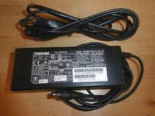 AC Adapter original Toshiba Netzgerät PA3283U-1ACA , 75W
