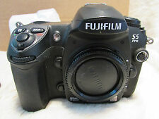 Fuji S5 Pro Digital Camera  Perfect, Only 3500 shutter actuations very low