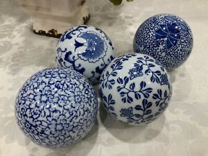 4 Blue & White Porcelain Ceramic Delft Decorative Carpet BallsChinese floral