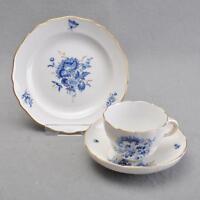 Meissen Blaue Blumen und Insekten, 3tlg. Kaffeegedeck, Tasse, Untertasse, Teller