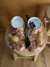 IN HAND- EXCLUSIVE Crocs X KFC  4M/6W FAST SHIPPING