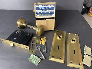 VTG Bronze? Berkeley Russwin Lock Set, Knobs, Escutcheons Skeleton Keys Orig Box