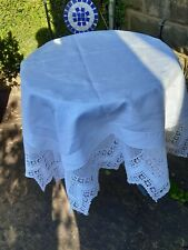 VINTAGE LINEN CROCHET EDGE EMBROIDERED TABLE CLOTH