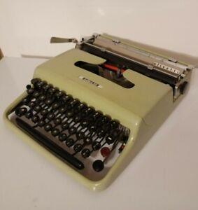Macchina da scrivere Olivetti Lettera 22 - Bicolore - Prima Serie - Funzionante