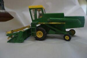 1/16 Vintage John Deere 6600 Combine W/Chain Drive by ERTL Tractor Green Farm