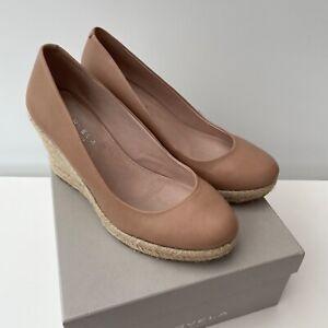 CARVELA - Kurt Geiger Nude Leather Wedge Shoe - Size 37 - Excellent Condition