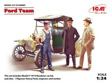 ICM 1/24 Ford Team (Model T 1913 Roadster car kit and 3 figures) # 24007
