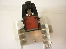 Genuine used Miele G601 dishwasher door lock- 4158030