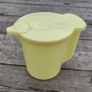 Vintage Tupperware Pour and Store Jug with Lid Yellow 131-6, 625-3