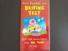 Prueba de conducción pasado su tarjeta felicitaciones