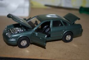 Diapet 1/40 Scale die-cast - NISSAN INFINITI Q45 (SV-18) Made in Japan