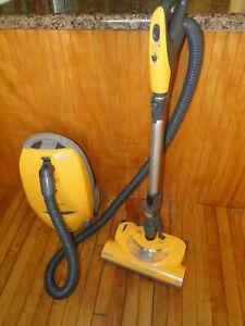Kenmore Progressive Tru-Hepa Model 116 Canister Vacuum with Power Brush & Bags