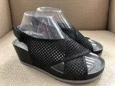 SOFTWALK HANSFORD BLACK CRISS CROSS PERFORATED LEATHER WEDGE SANDALS SIZE 7 WIDE