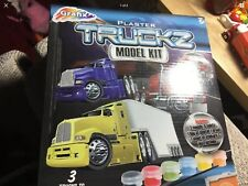 GRAFIX PLASTER TRUCKS MODEL & PAINT KIT