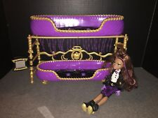 Monster High Doll Clawdeen Wolf Bed with Mirror Doll clothes shoes Accessories