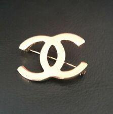 Pin Brooch Lapel Gold Tone, Early 90s 1 3/8� Coco Chanel Cc Interlocking Logo