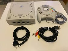 Sega Dreamcast PAL con controller HKT3030