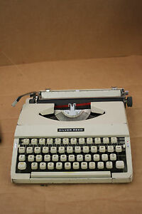 SILVER REED SILVERETTE* Portable Typewriter NOT  WORKING