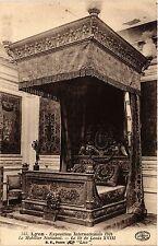 CPA LYON Le Mobilier National. Le lit de Louis XVIII (443205)